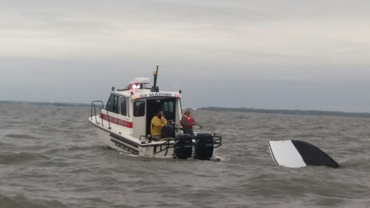 port mahon boat sinks, marine 53,little creek fire department