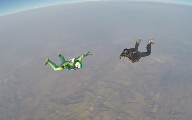 Luke Aikins in free fall with no parachute