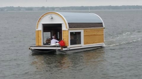 indian river bay, hydro hostel, delaware, sussex county, ocean view, whites creek, inland bays, floating hotel, house boat, mini house boat, home made boat, motel that floats
